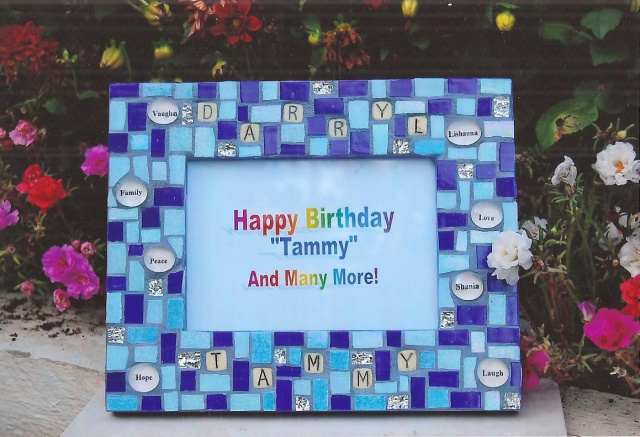 Create a mosaic picture frame with Eleanor Parr DiLeo